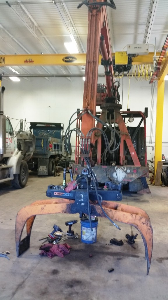 Now Hiring Heavy Equipment Mechanic